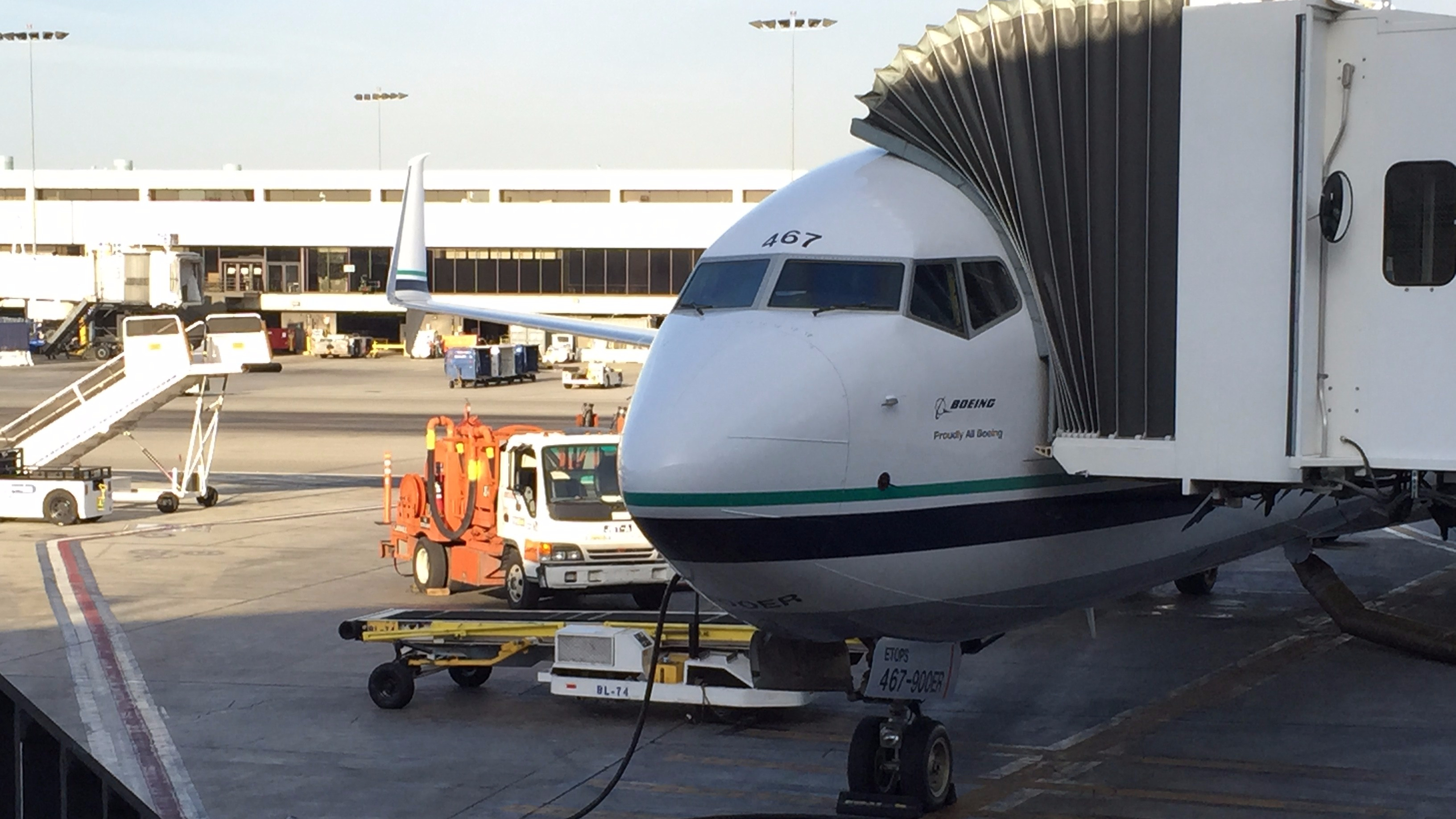 Review: Alaska Airlines Economy 737-900 Los Angeles to Seattle