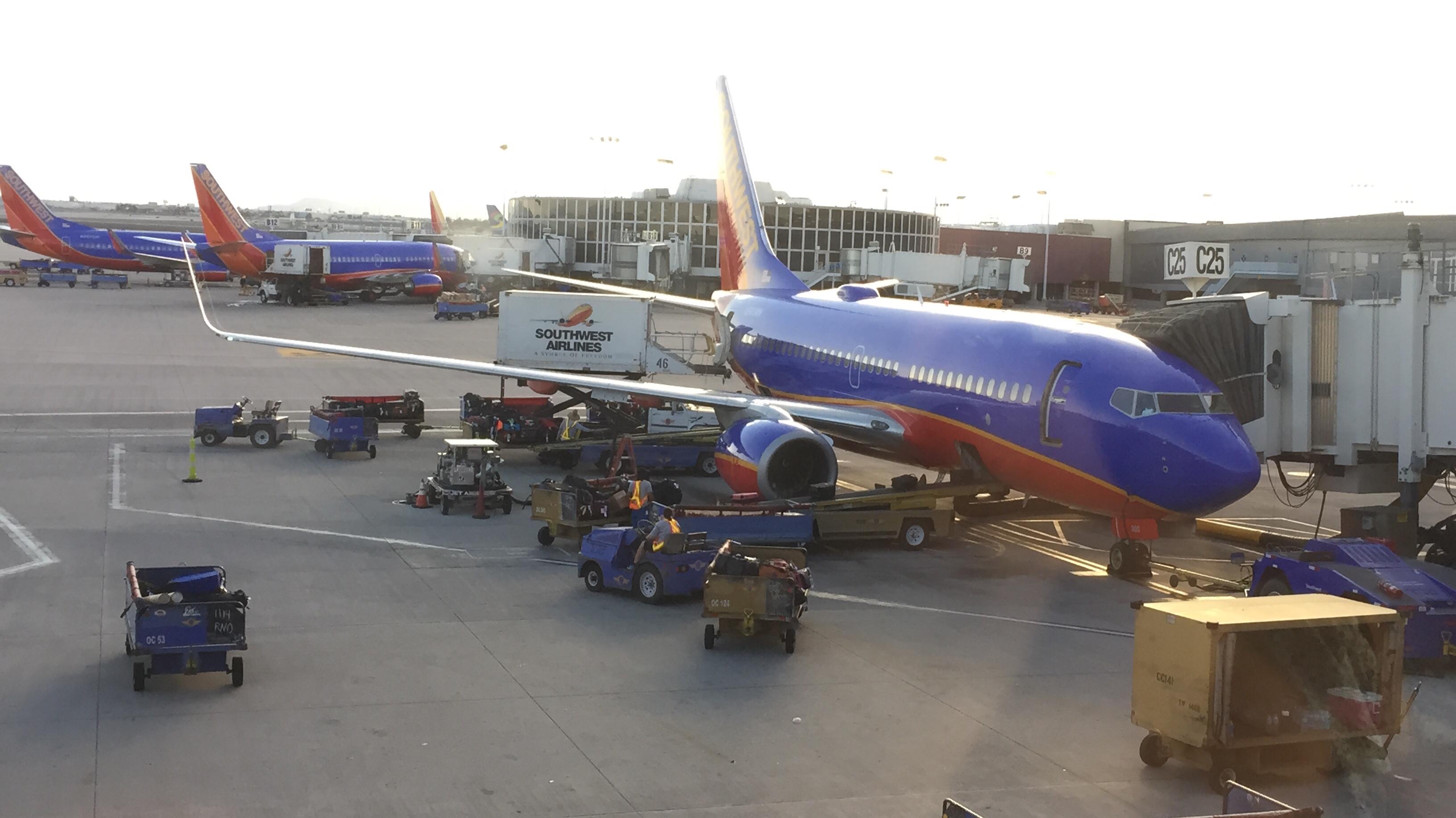 Resultado de imagen para southwest airlines LAX