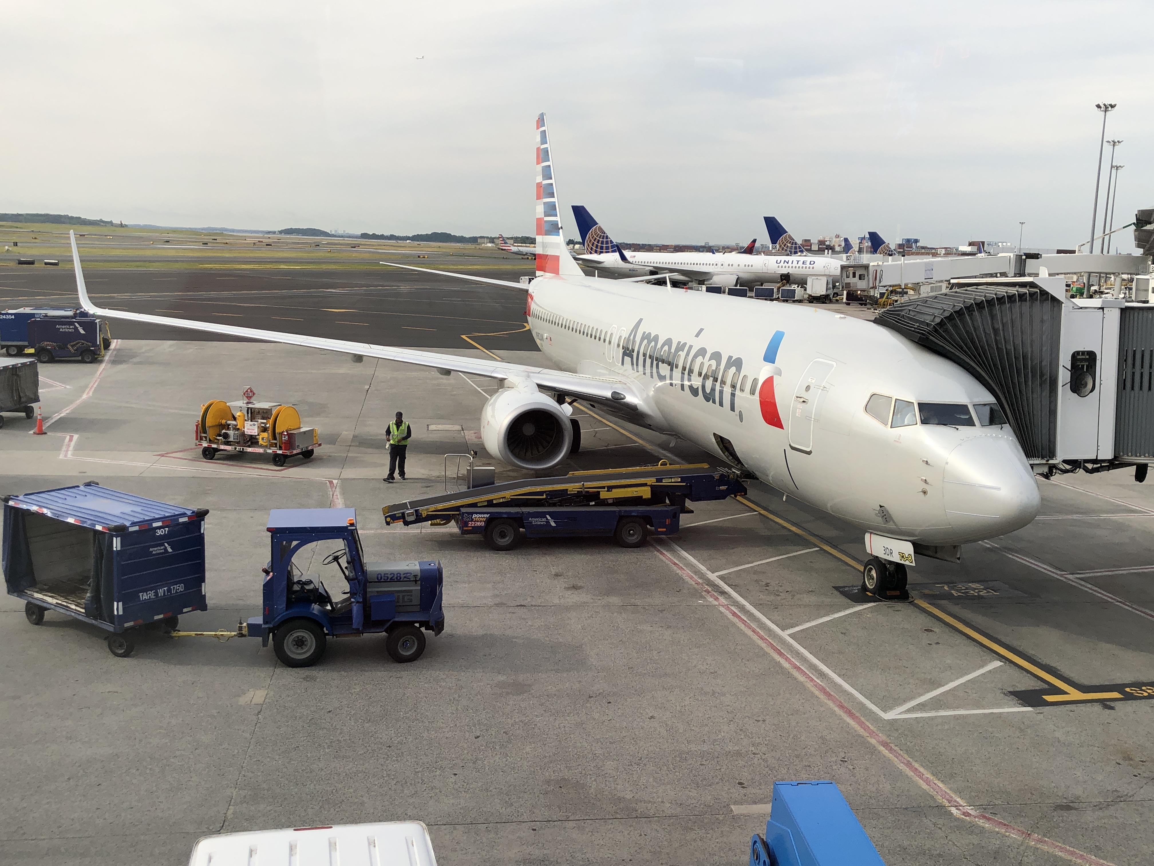 Resultado de imagen para American 737-800