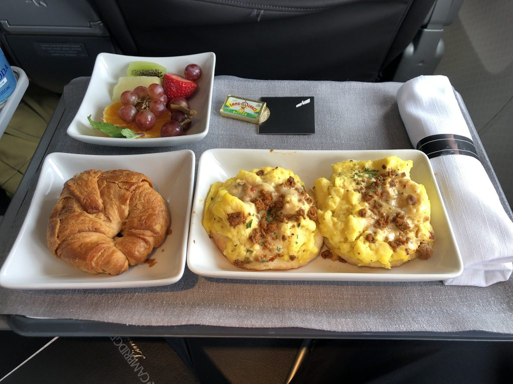 Review American Airlines 737 800 First Class Boston To